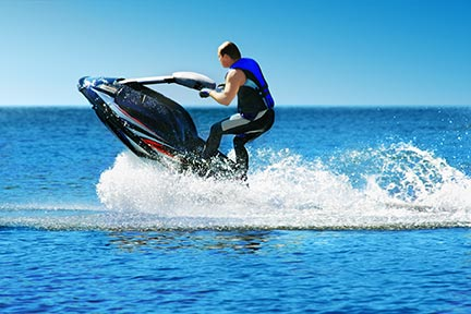 Many people like to do tricks on jet skis, however, these tricks often lead to injuries and boating accidents. Call a Corpus Christi boat accident attorney today to discuss your options.